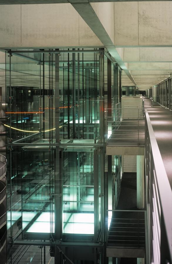 deutscher bundestag 15 - Bundestag tedesco a Berlino -